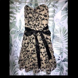 Delia's Size 0 Juniors Strapless Dress